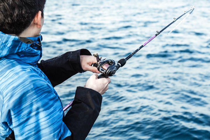 【ワーケーション×釣り】テレワークの合間に釣りも楽しめる宿泊地5選!