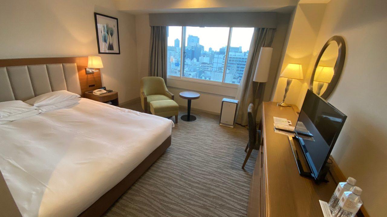 名古屋東急ホテルの客室内から名古屋市街が見渡せます