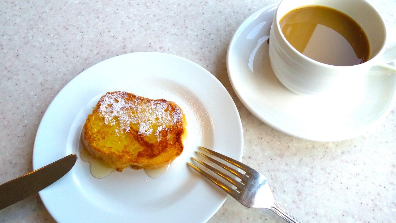 「ホテル&リゾーツ南淡路」の朝食バイキングのフレンチトースト